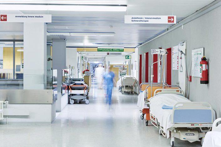 L - M Clinicas, Hospitales y Centros - Población
